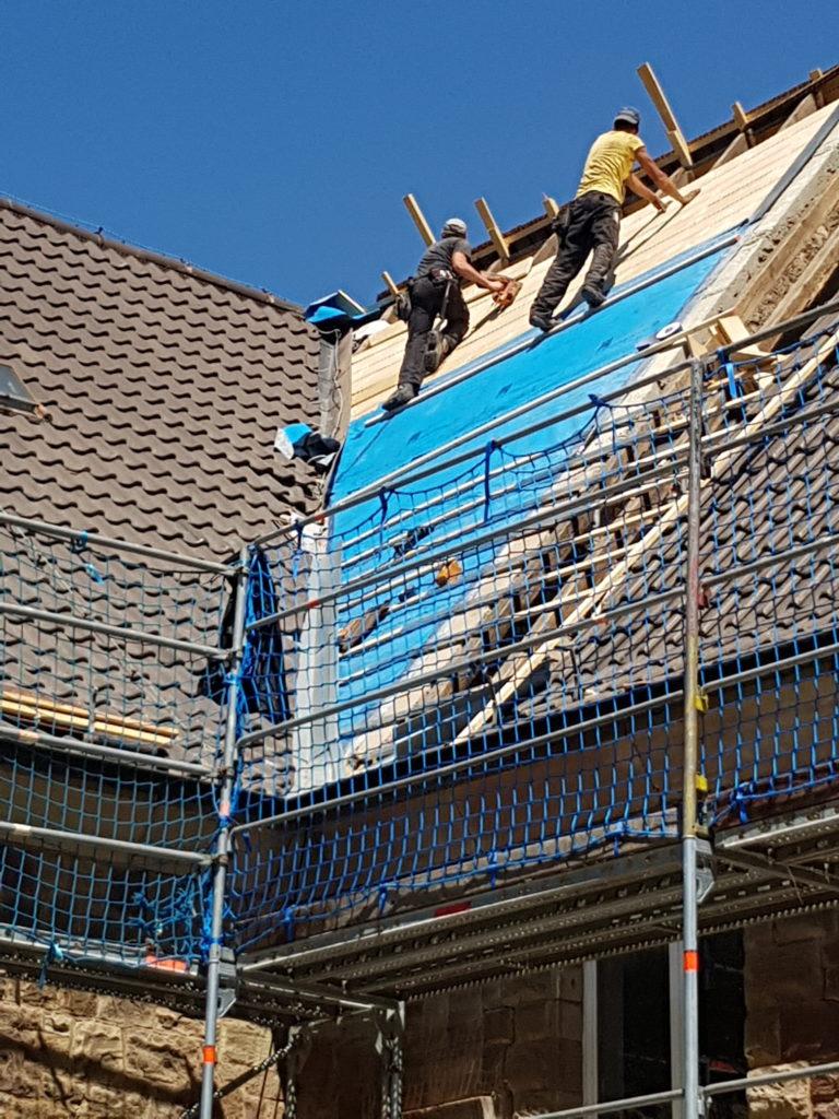 Dachdecker- und Zimmererarbeiten